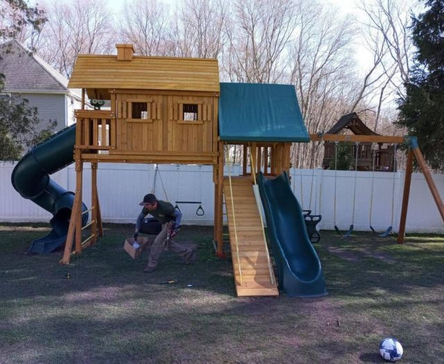 Fantasy Tree House Swing Set with Gang Plank, Sling Swing, Jumbo Binoculars