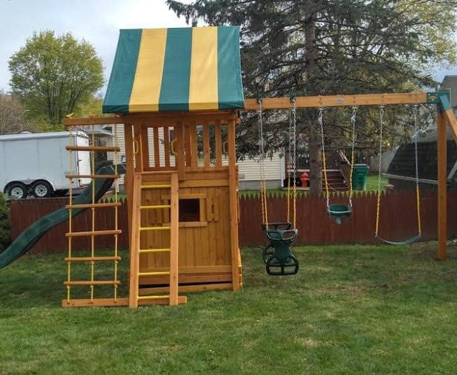 Dream Swing Set with Bottom Clubhouse, Half Bucket Toddler Swing, and Jacobs Ladder