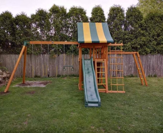 Dream Swing Set with Trapeze Bar, Monkey Bars, and Ladder